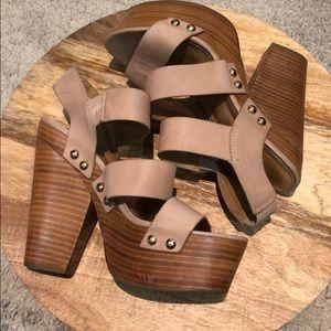 Aldo beige stewpot heeled sandals